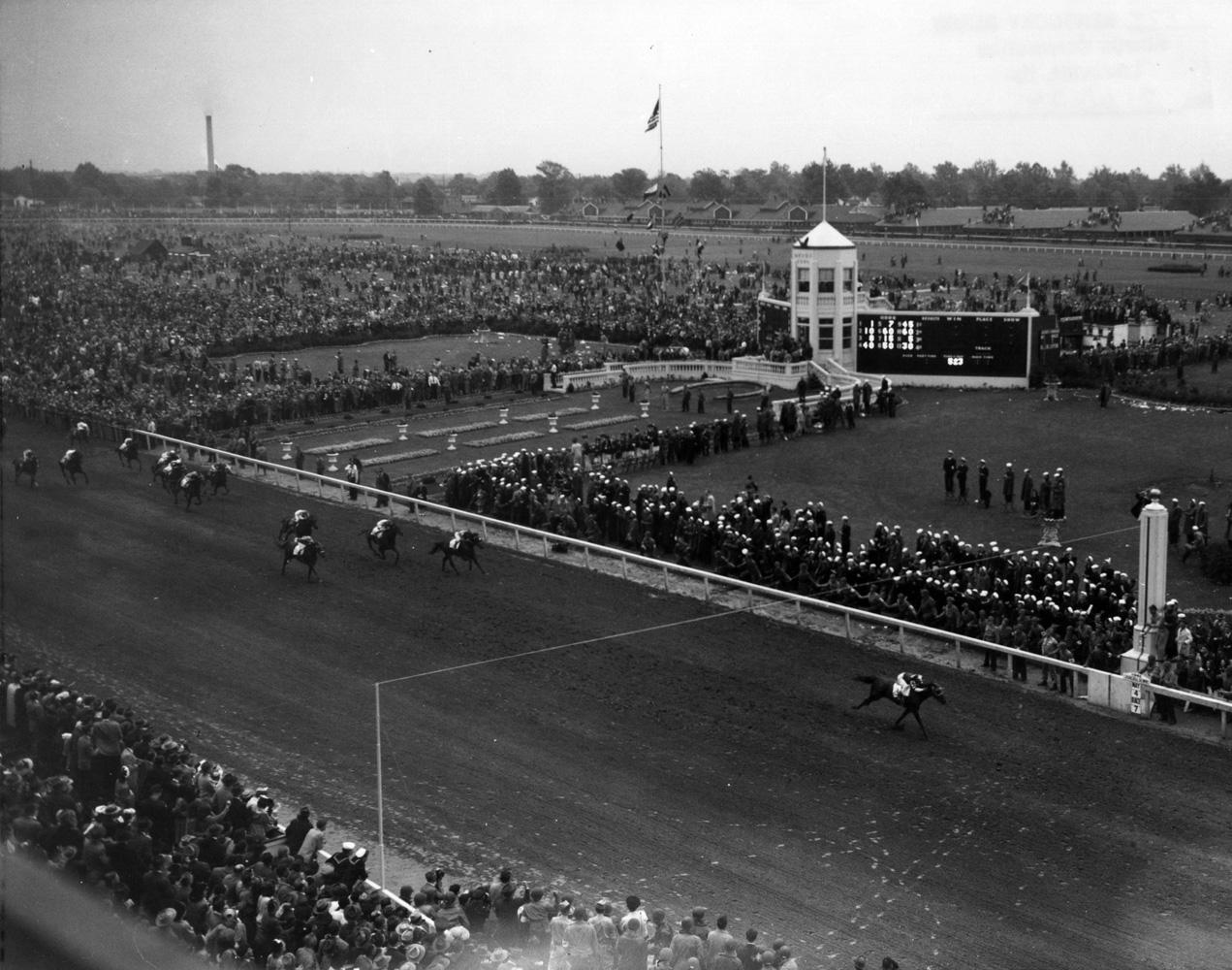 Assault (Warren Mehrtens up) winning the 1946 Kentucky Derby (Churchill Downs Inc./Kinetic Corp. /Museum Collection)