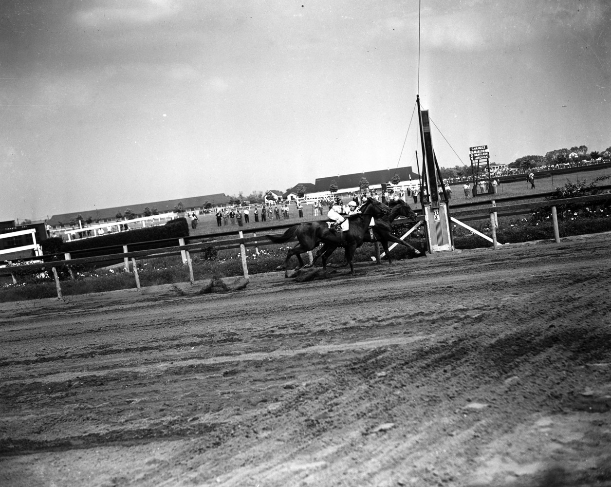 Gallorette (Job D. Jessop up) defeating Stymie in the 1946 Brooklyn Handicap at Aqueduct (Keeneland Library Morgan Collection/Museum Collection)