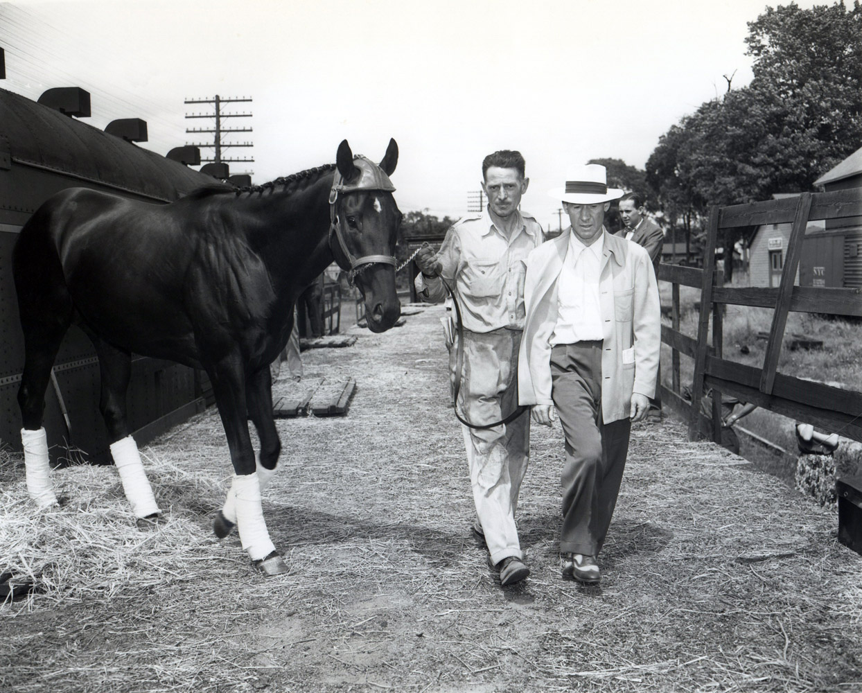 Noor arriving in Saratoga in 1950 with trainer Burley Parke (Keeneland Library Morgan Collection/Museum Collection)