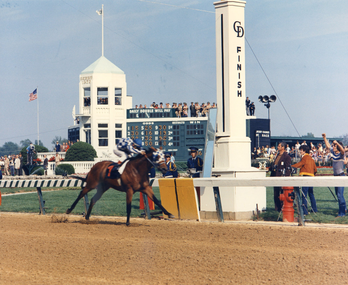 Riva Ridge (Ron Turcotte up) winning the 1972 Kentucky Derby at Churchill Downs (Churchill Downs Inc./Kinetic Corp. /Museum Collection)