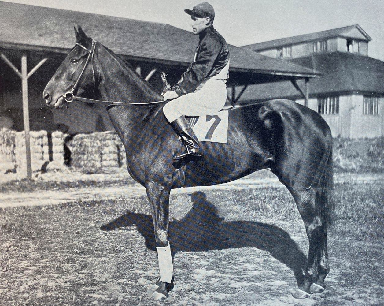 """Photograph of Roamer from """"Racing in America, 1866-1921"""" (Museum Collection)"""