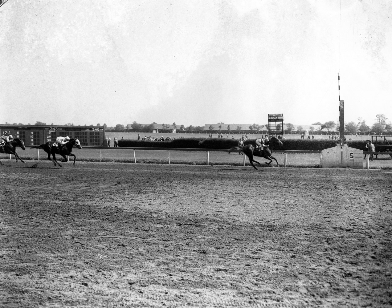 Stymie (John Adams up) winning the 1945 Rancocas Handicap at Jamaica (Keeneland Library Morgan Collection/Museum Collection)