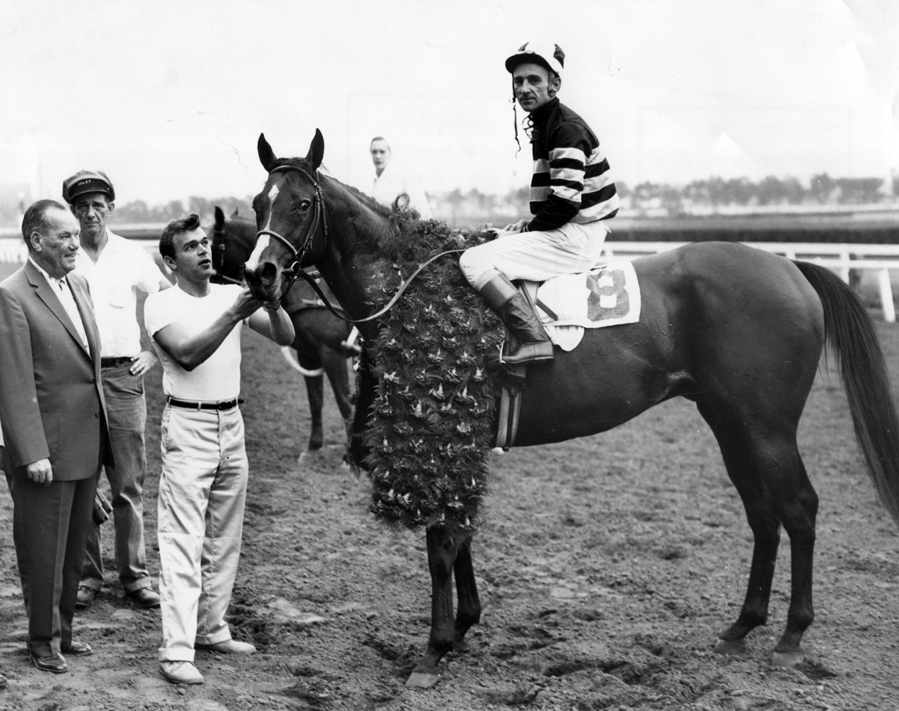 Swoon's Son in the winner's circle (Carl Schultz/Museum Collection)