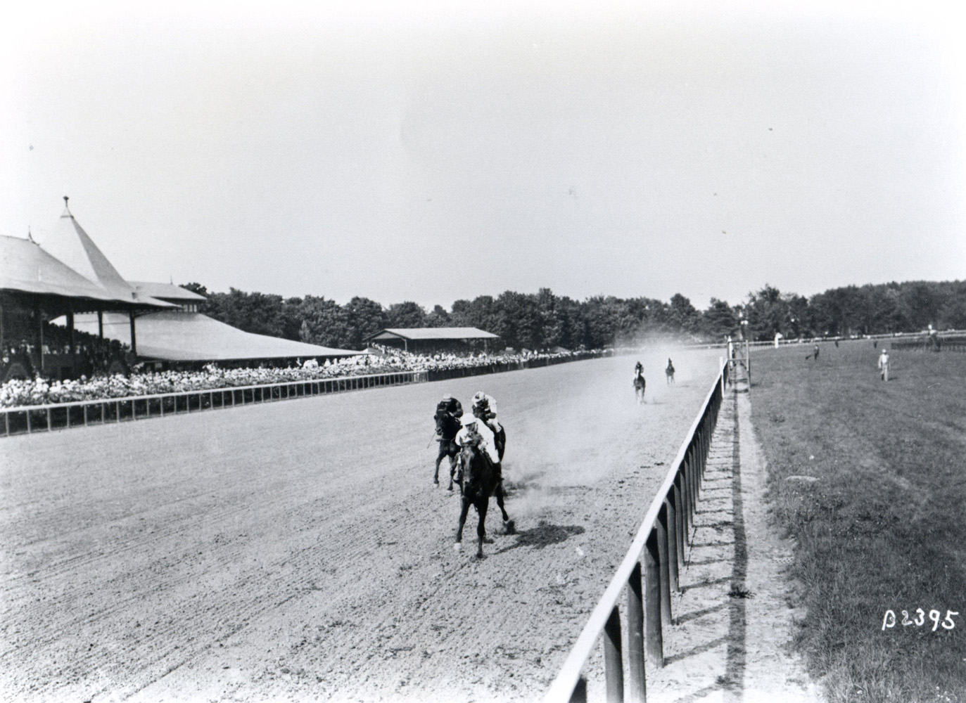 Sysonby (Nicol up) winning the 1905 Great Republic at Saratoga (Keeneland Library Cook Collection/Museum Collection)