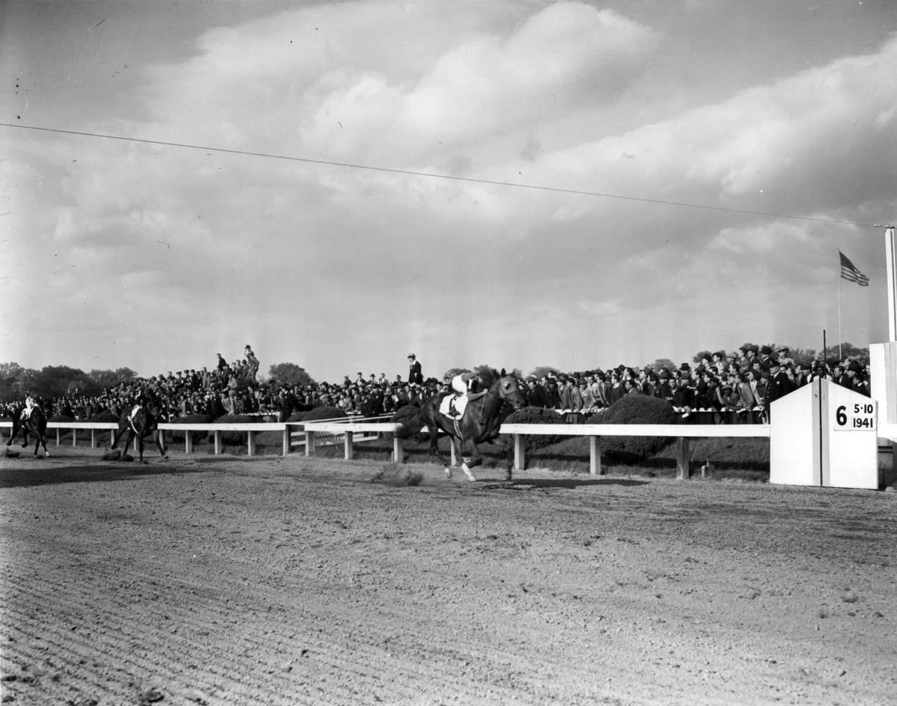 Whirlaway (Eddie Arcaro up) winning the 1941 Preakness at Pimlico (Keeneland Library Morgan Collection/Museum Collection)