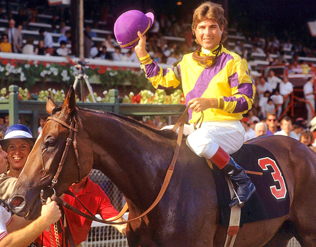 Go for Wand, Randy Romero up, after winning the 1989 Alabama Stakes at Saratoga (Tom Killips)