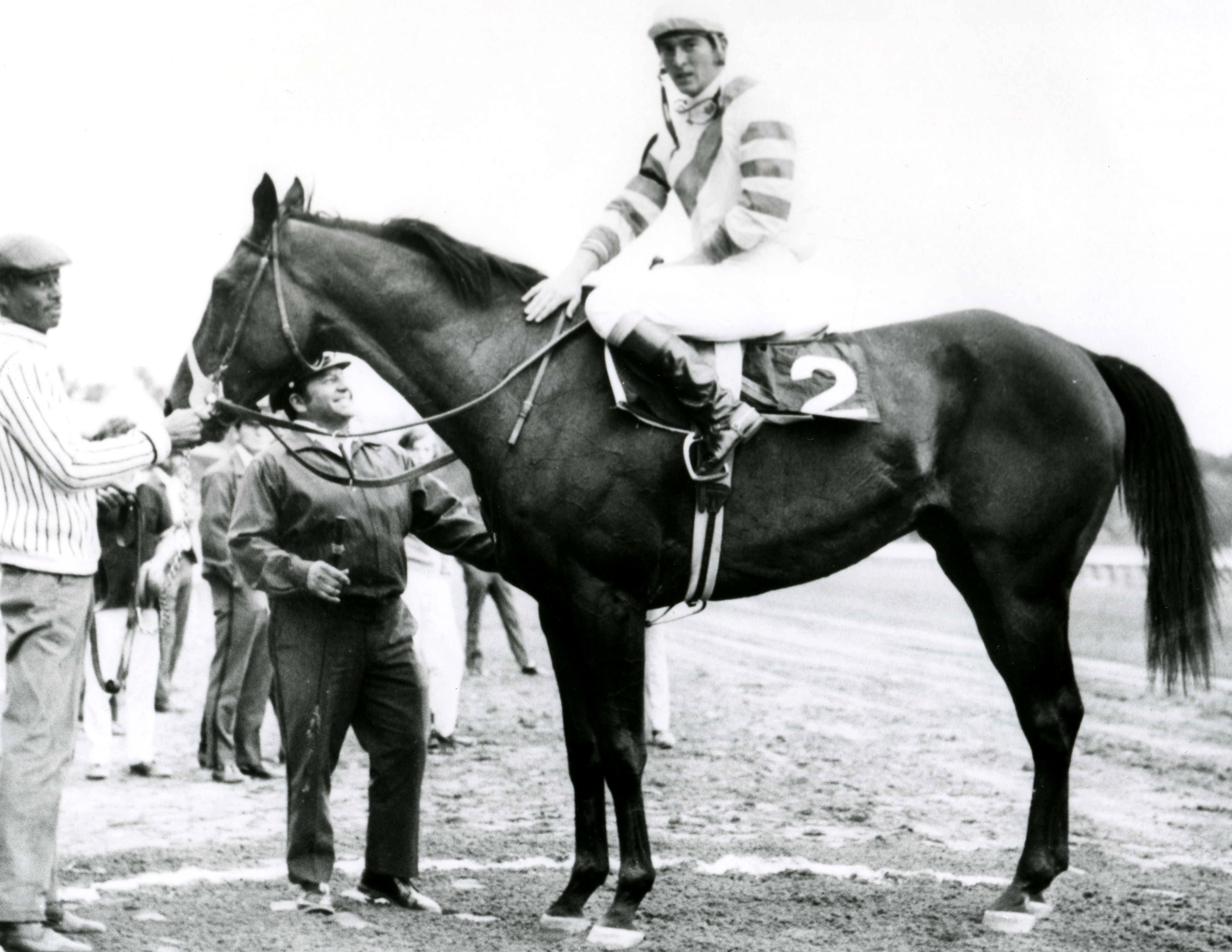 Jerry Fishback and Humus in the winner's circle (Museum Collection)