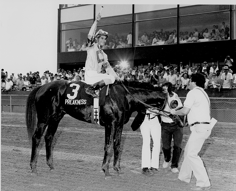 Alex Solis aboard Snow Chief after winning the 1986 Preakness at Pimlico (Jim McCue)