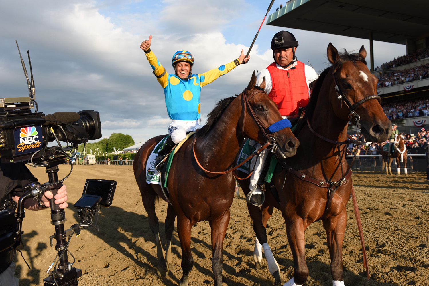 Victor Espinoza and American Pharoah after winning the 2015 Belmont Stakes and Triple Crown (NYRA)
