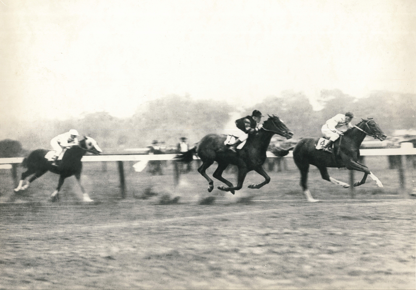 Willie Knapp and Upset defeating John Loftus and Man o' War in the 1919 Sanford Memorial at Saratoga (C. C. Cook/Museum Collection)