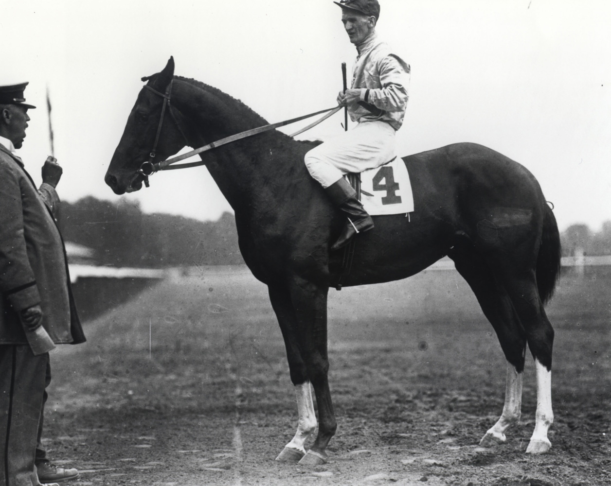 Willie Knapp and Upset (Keeneland Library Cook Collection/Museum Collection)