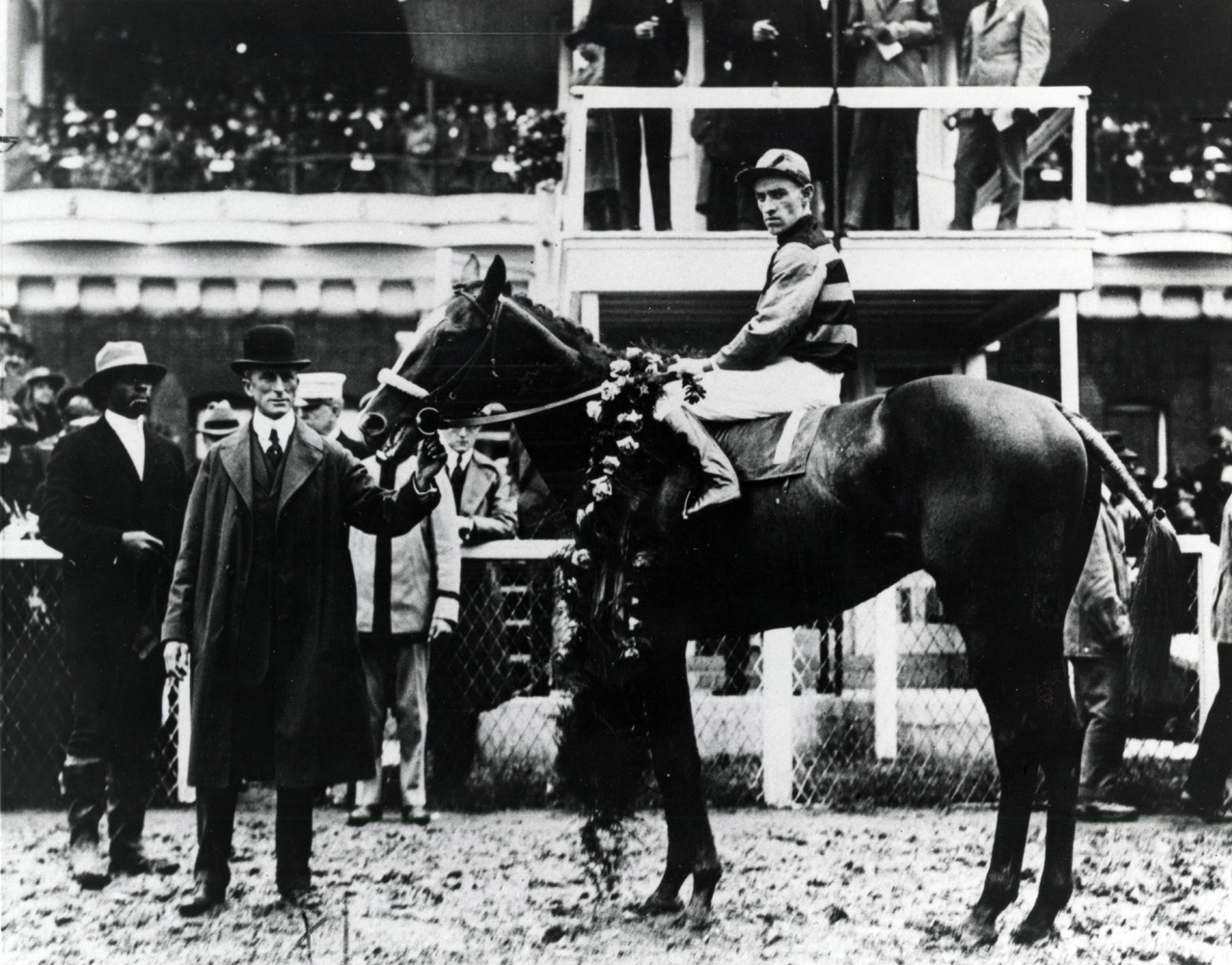John Loftus and Sir Barton in the winner's circle for the 1919 Kentucky Derby (Churchill Downs Inc./Kinetic Corp. /Museum Collection)