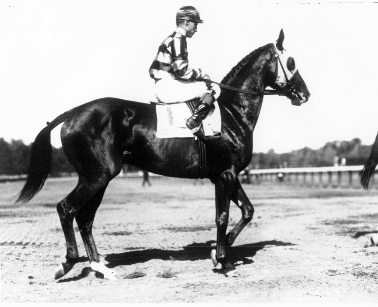 J. Linus McAtee and Jamestown (Keeneland Library Cook Collection/Museum Collection)