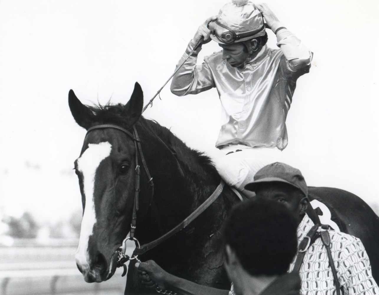 Don Pierce and Kennedy Road after winning the 1973 San Antonio Handicap (Bill Mochon/Museum Collection)