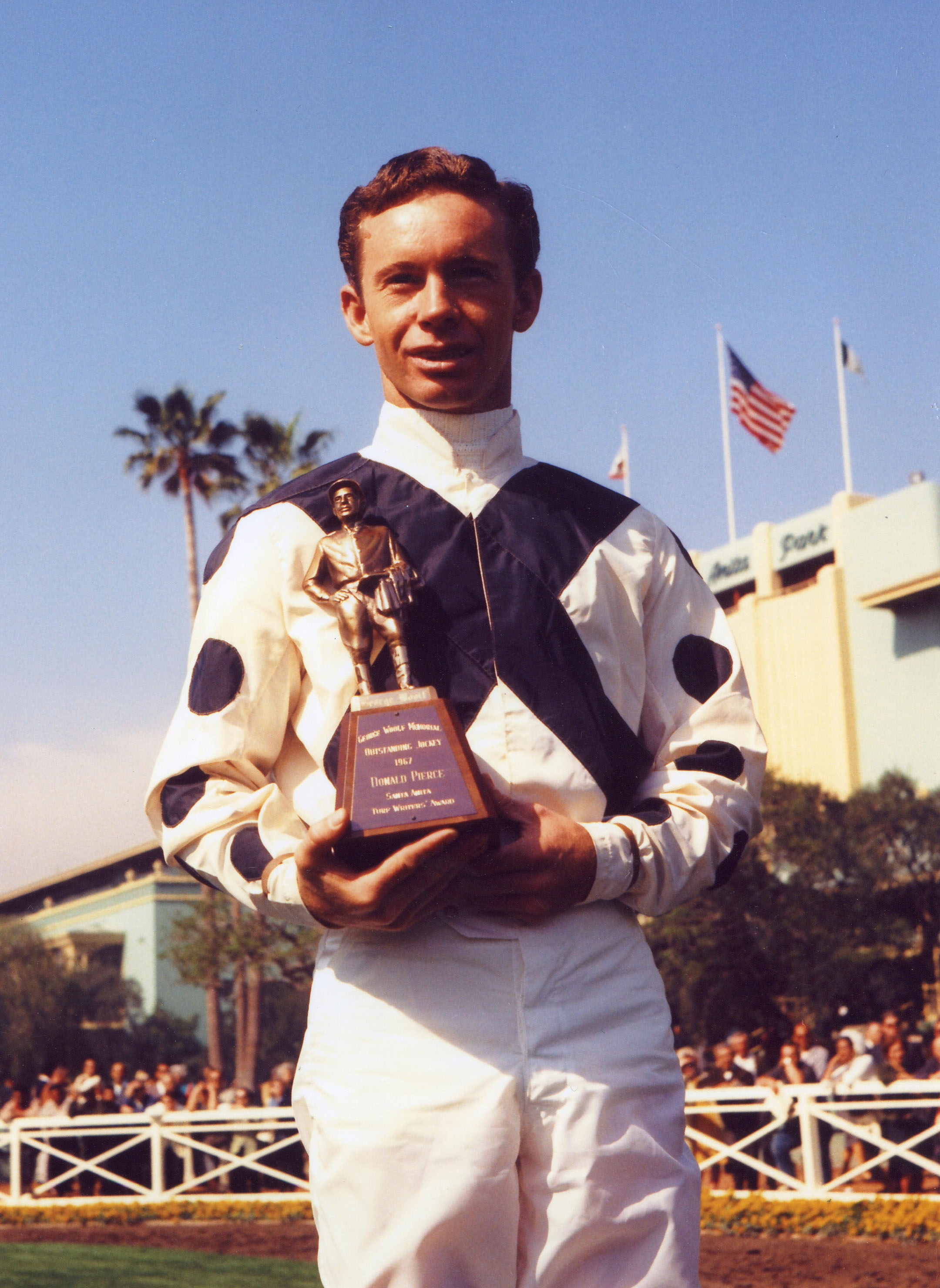 Don Pierce receives the George Woolf Memorial Award at Santa Anita, March 1967 (Bill Mochon/Museum Collection)