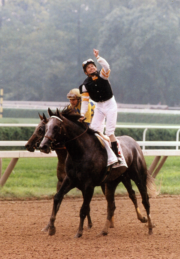 Mike Smith and Holy Bull heading to the winner's circle after winning the 1994 Travers Stakes at Saratoga (Mike Pender/Museum Collection)