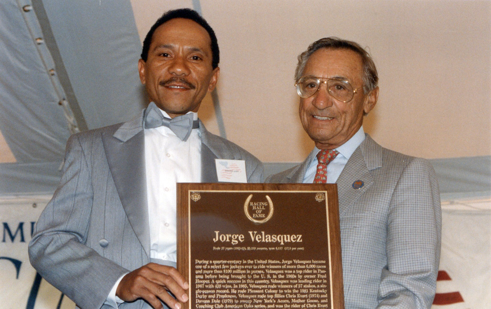 Jorge Velasquez at his Hall of Fame induction with fellow Hall of Famer Eddie Arcaro in 1990 (Barbara D. Livingston/Museum Collection)