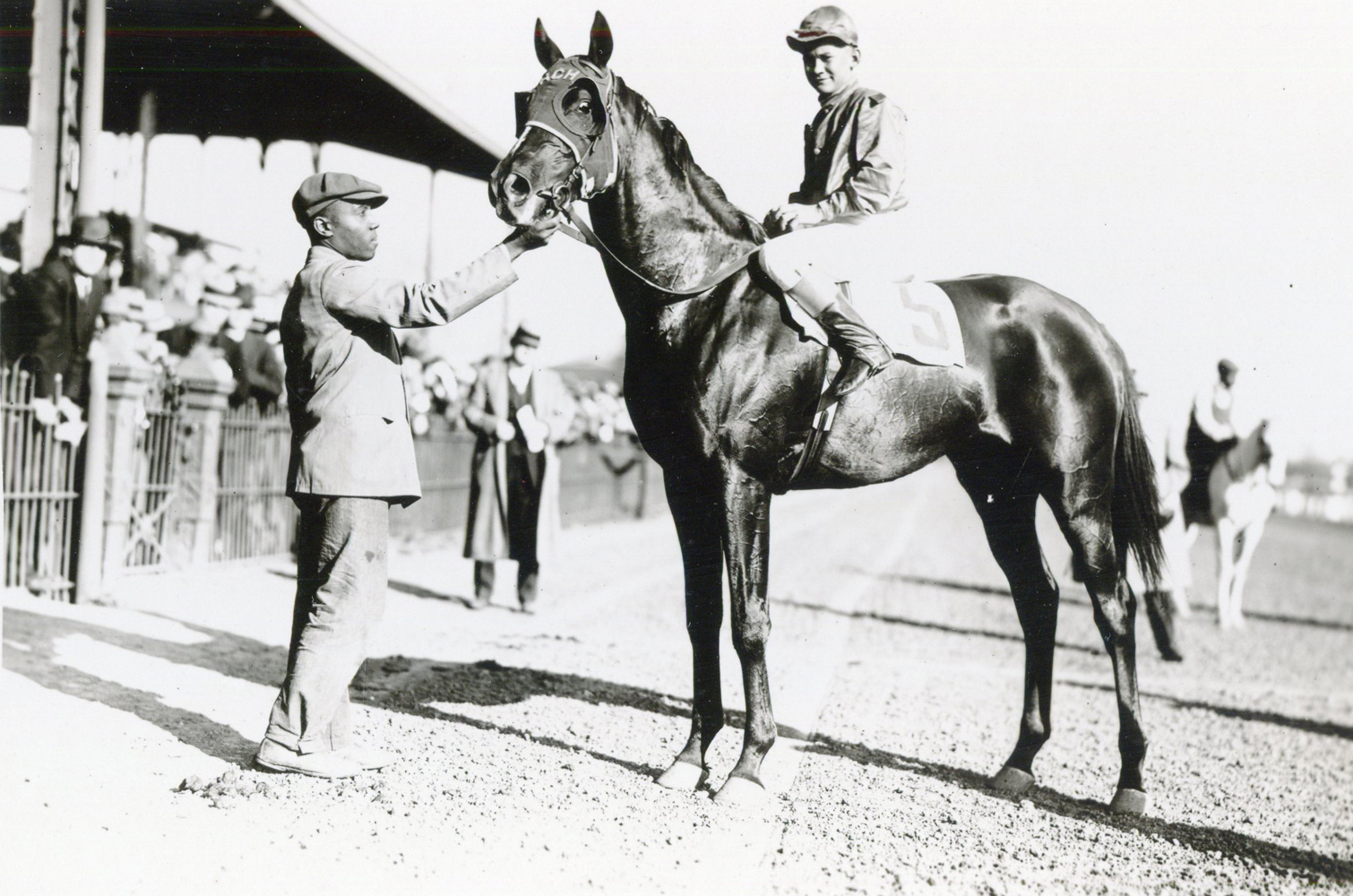 Jack Westrope and Captain Red in the winner's circle at Lexington in April 1933 (H. C. Ashby/Museum Collection)
