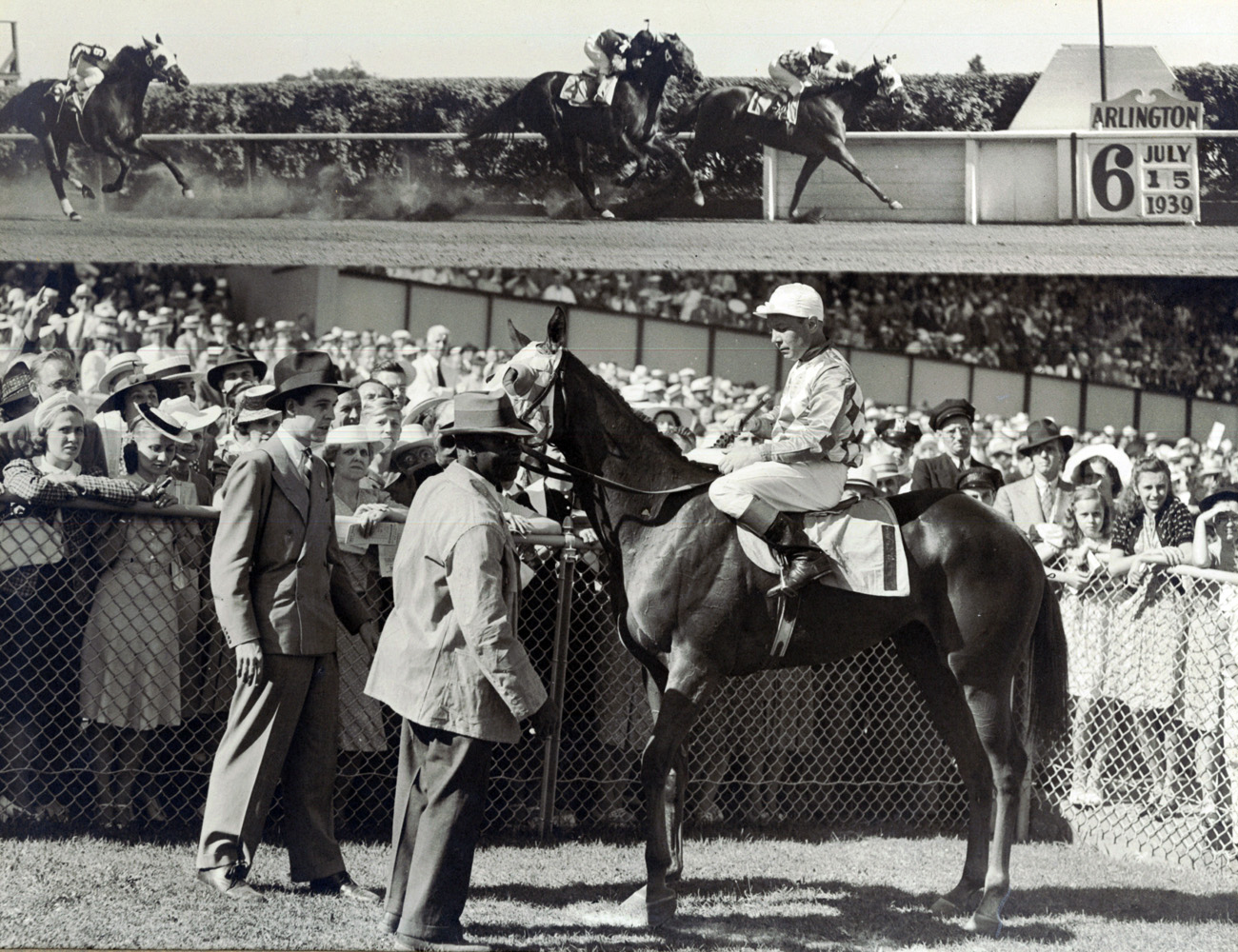Win composite from the 1939 Arlington Lassie, won by Raymond Workman and Now What (Carl Schultz Turf Photo/Museum Collection)