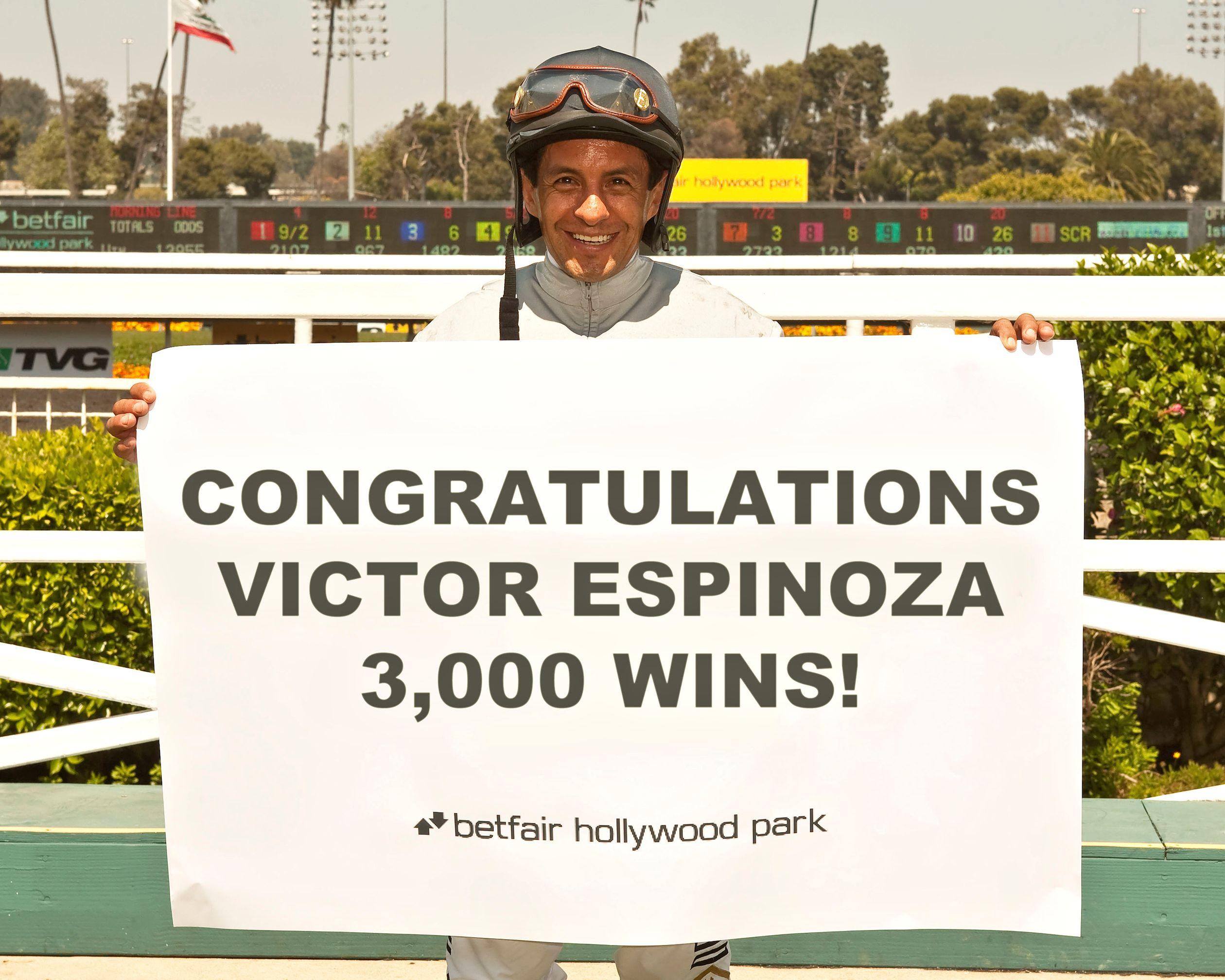 Victor Espinoza (Benoit Photo)