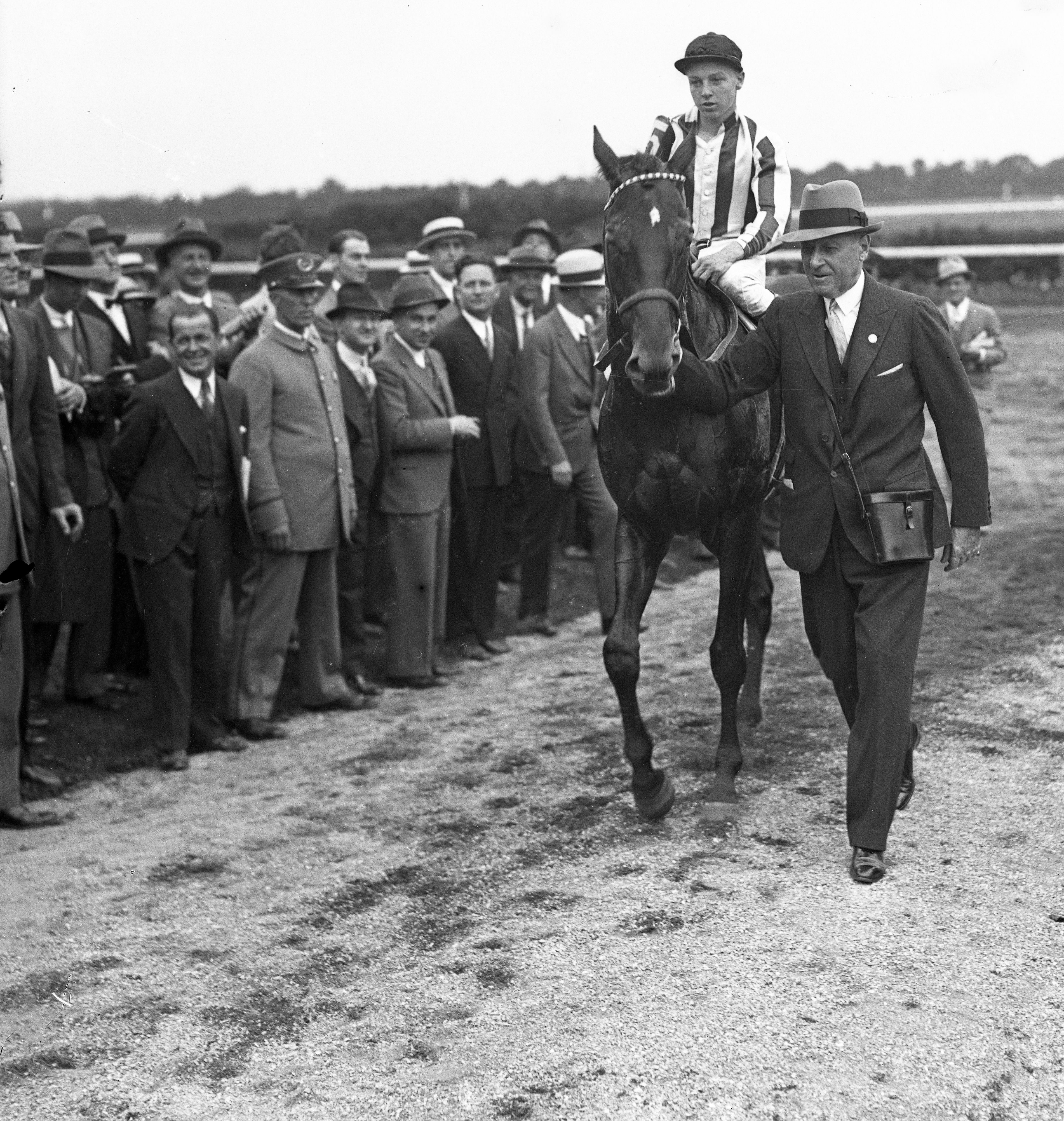 Wayne Wright aboard Peace Chance (Keeneland Library Cook Collection)