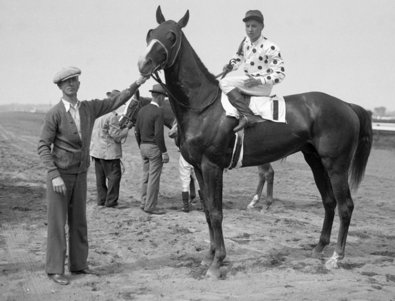 Wayne Wright aboard Late City at Belmont in 1943 (Mike Sirico)