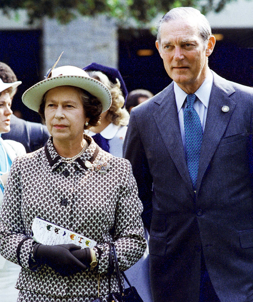 Queen Elizabeth II and Ted Bassett in 1984 (Keeneland Association)