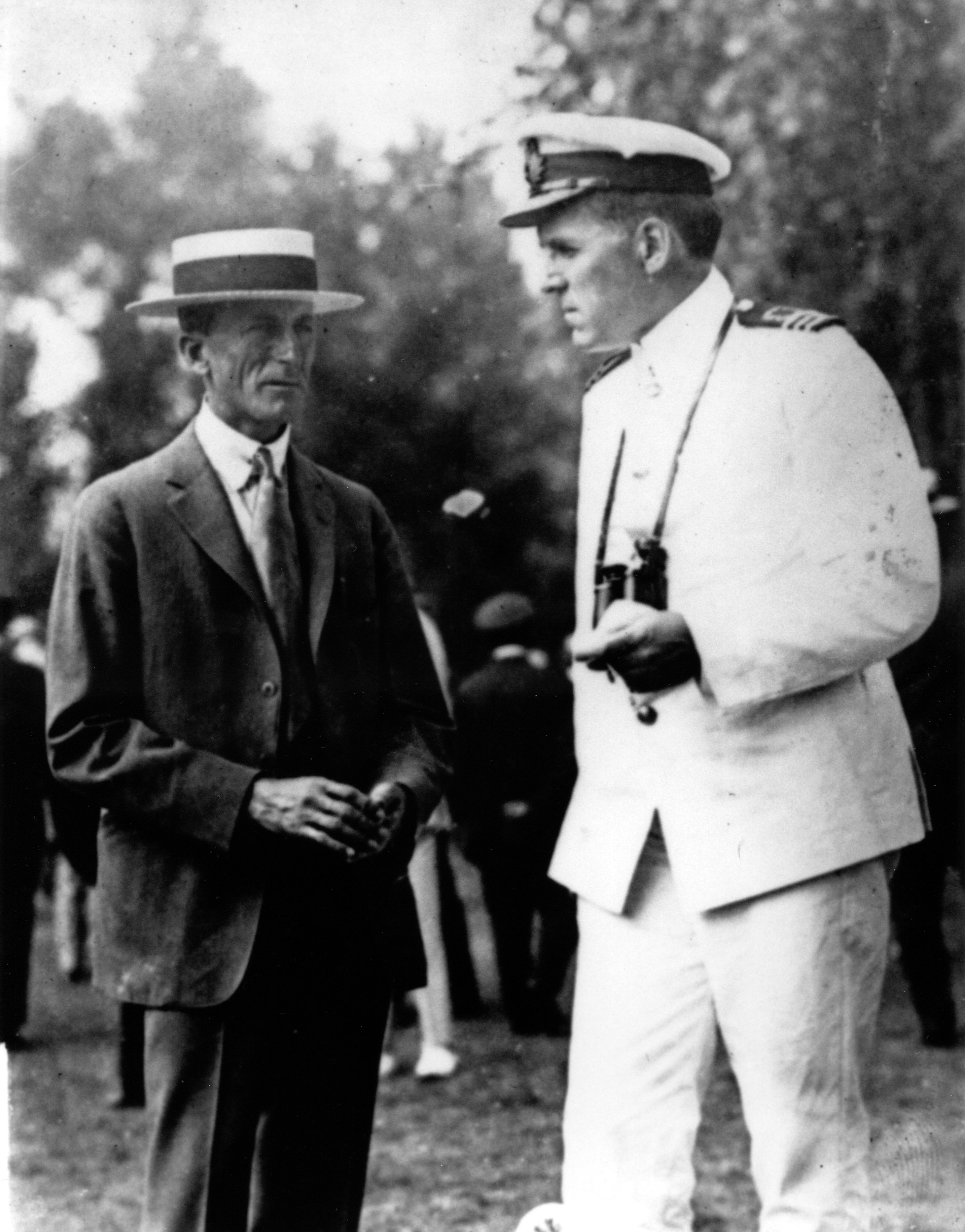 Trainer H. Guy Bedwell with Commander J.K.L. Ross (Keeneland Library Cook Collection/Museum Collection)