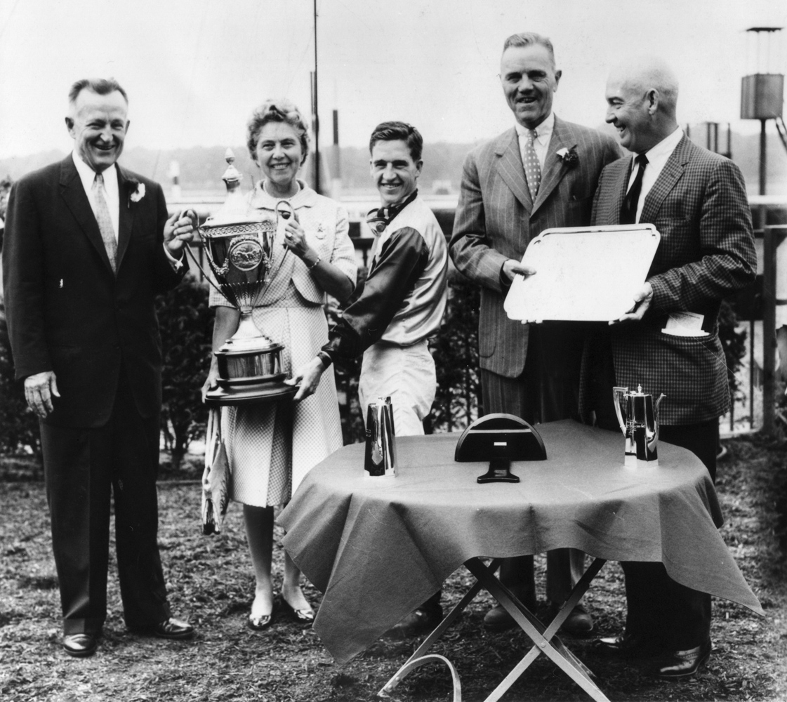 John Galbreath, jockey Bobby Ussery and trainer James P. Conway celebrate at a trophy presentation (Mike Sirico/Museum Collection)