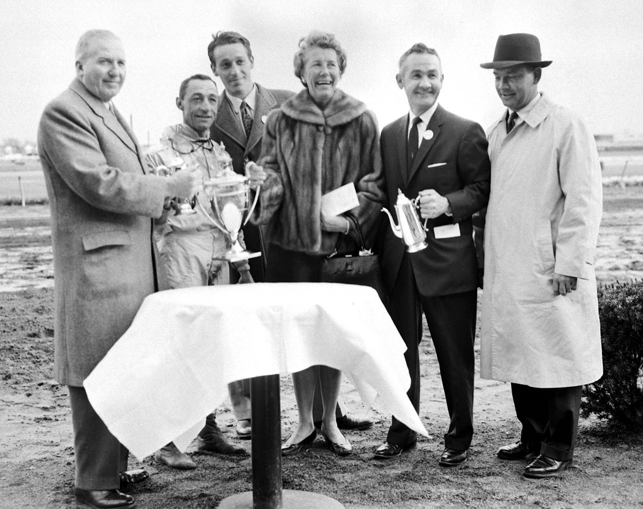 John Hanes, Eddie Arcaro, Simon Wetherby, Allaire du Pont, and Carl Hanford at the trophy presentation for Kelso's 1960 Jockey Club Gold Cup win (Keeneland Library Morgan Collection)