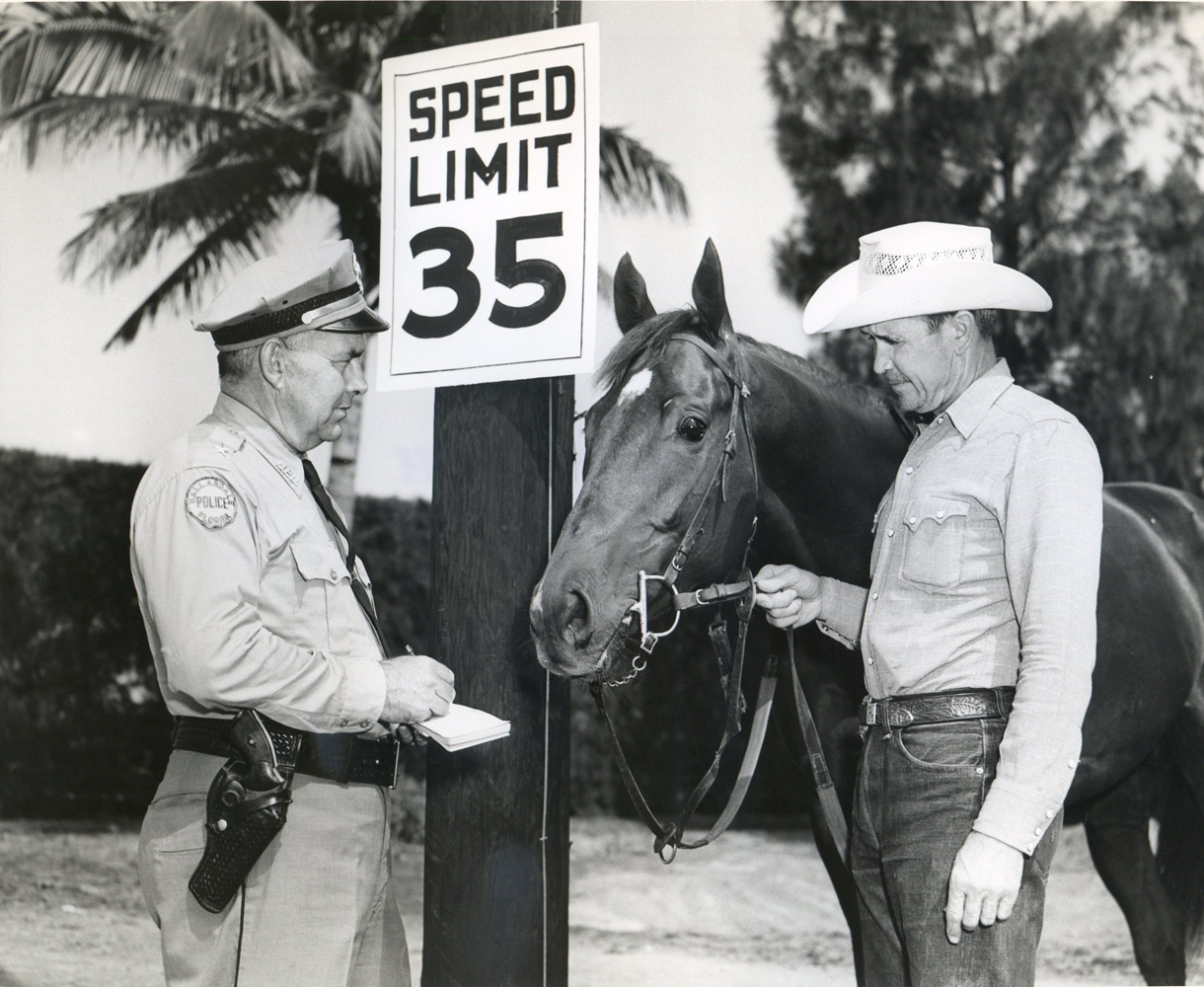Mesh Tenney and Swaps at Hialeah Park (Jim Raftery Turfotos/Museum Collection)