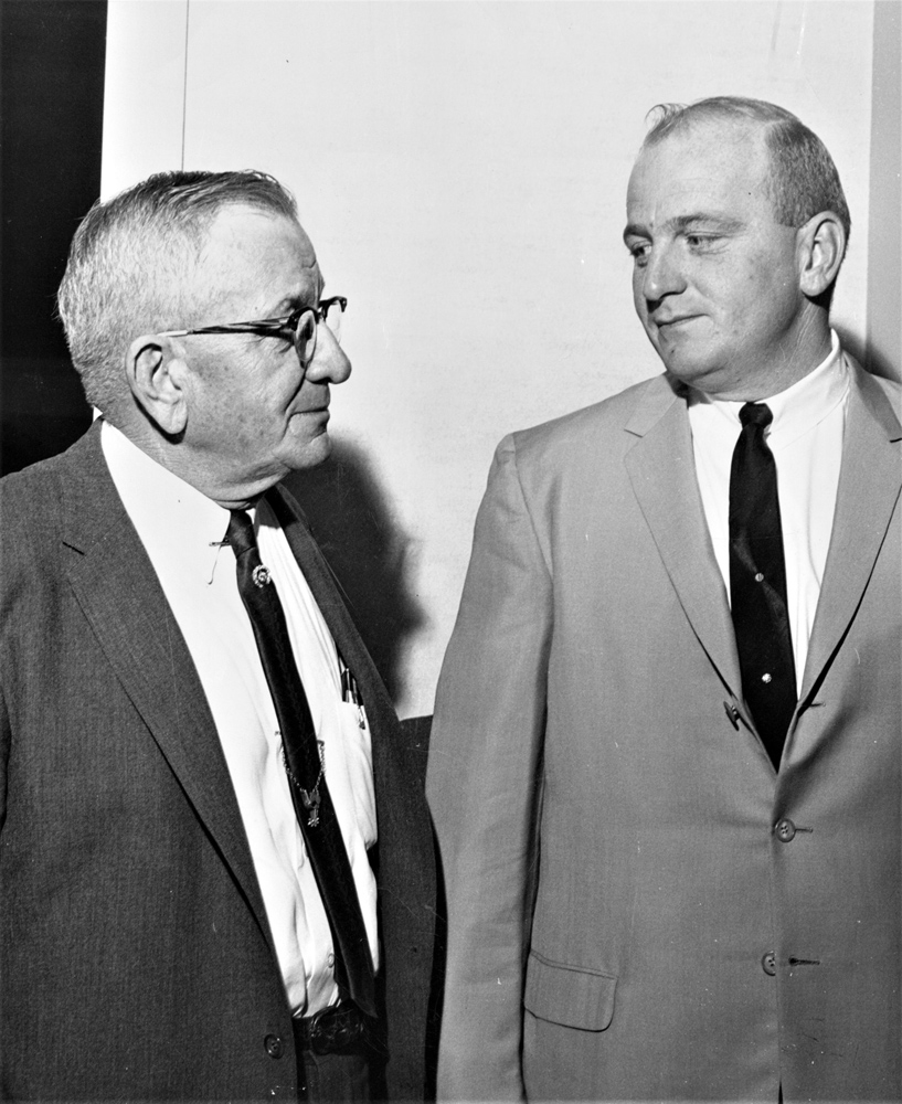 Jack Van Berg (right) and his father, fellow Hall of Fame trainer Marion Van Berg, in 1965 (Keeneland Library Thoroughbred Times Collection)
